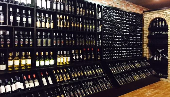 cửa hàng rượu ngoại 86